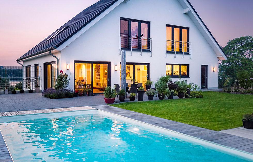 Einfamilienhaus Glaspalast mit Pool
